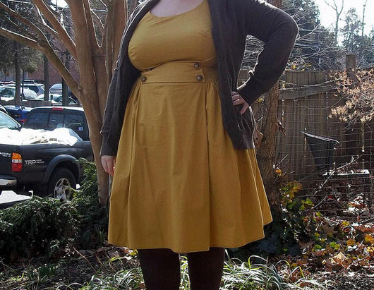 First Trimester Maternity Style: Creating A Capsule Wardrobe