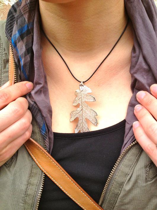 Fargo street style oak leaf necklace