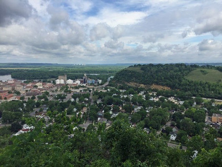 Hiking, Books and Brunch in Red Wing