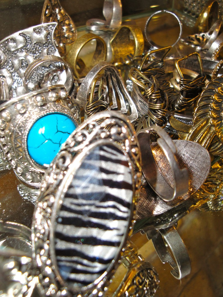 Jewelry at tharNzie