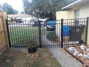 dog pen fence 3.jpg
