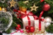 7781007257_des-cadeaux-au-pied-du-sapin-