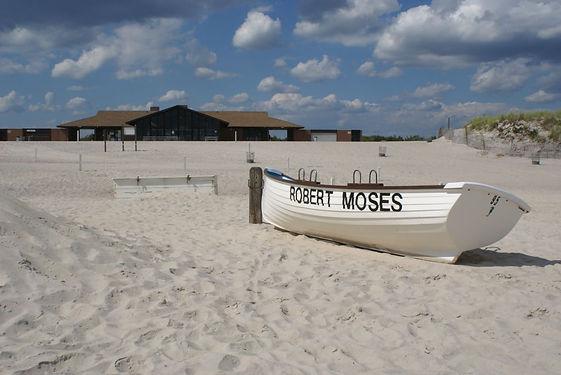 Robert_Moses_Field_4_Deserted_Beach.jpg
