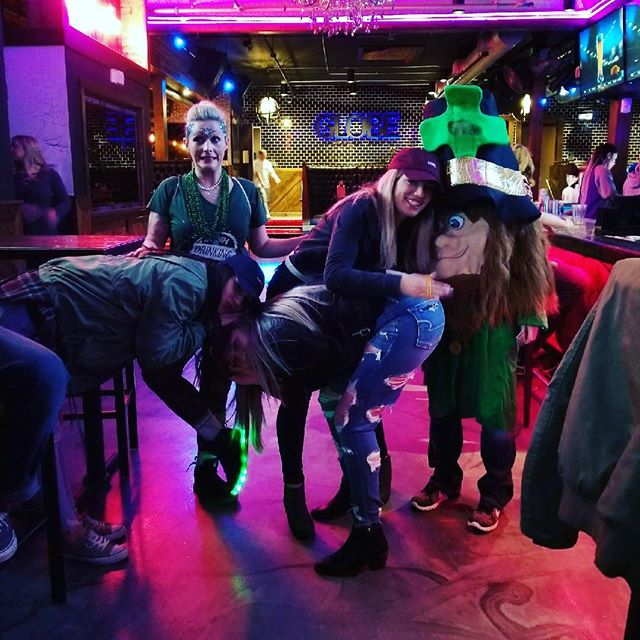 Shamus finds allll the fun! #idt2018 #theirishdrinkingteam #promo #outnabout #spokane #grabagreenie