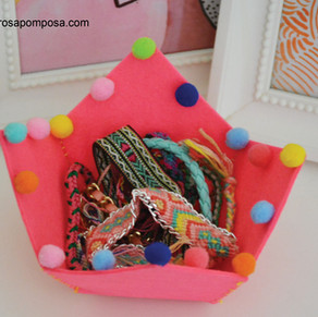Taça com pompons