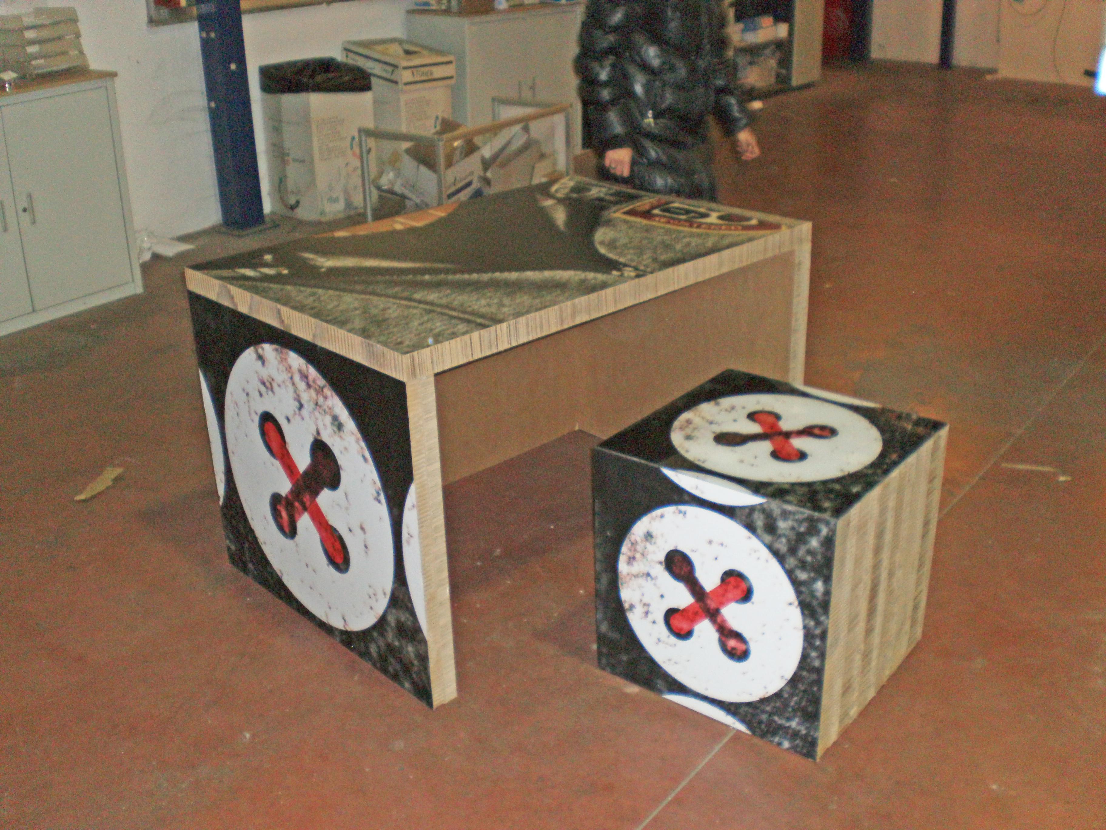 scrivania in cartone
