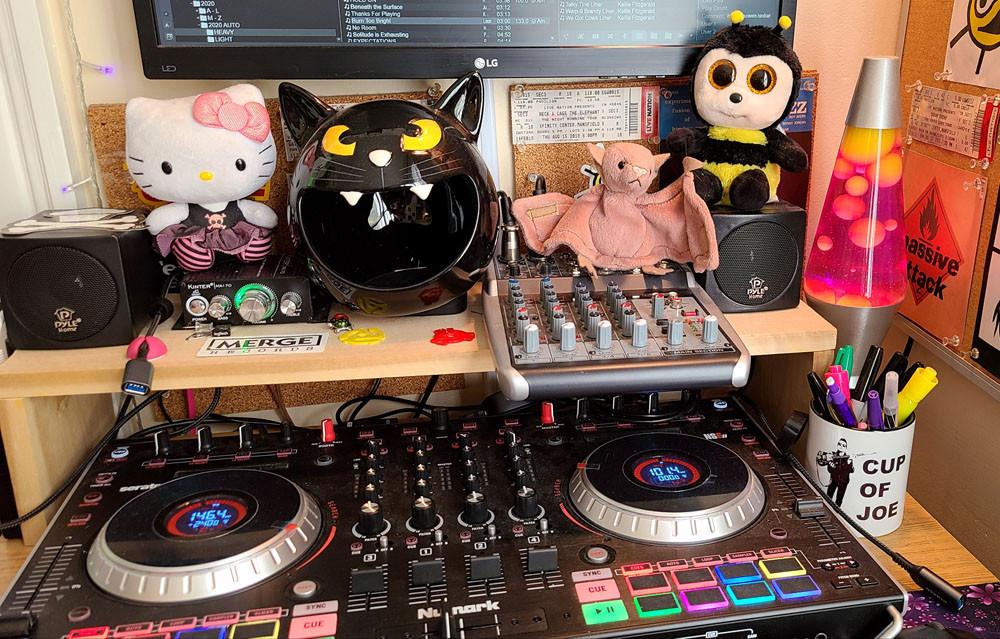 BumbleBee Radio Studio