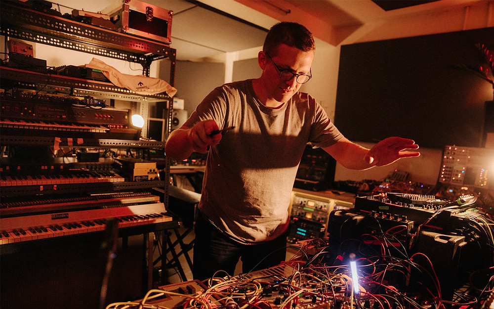 Sam Sheppard flies as Floating Points