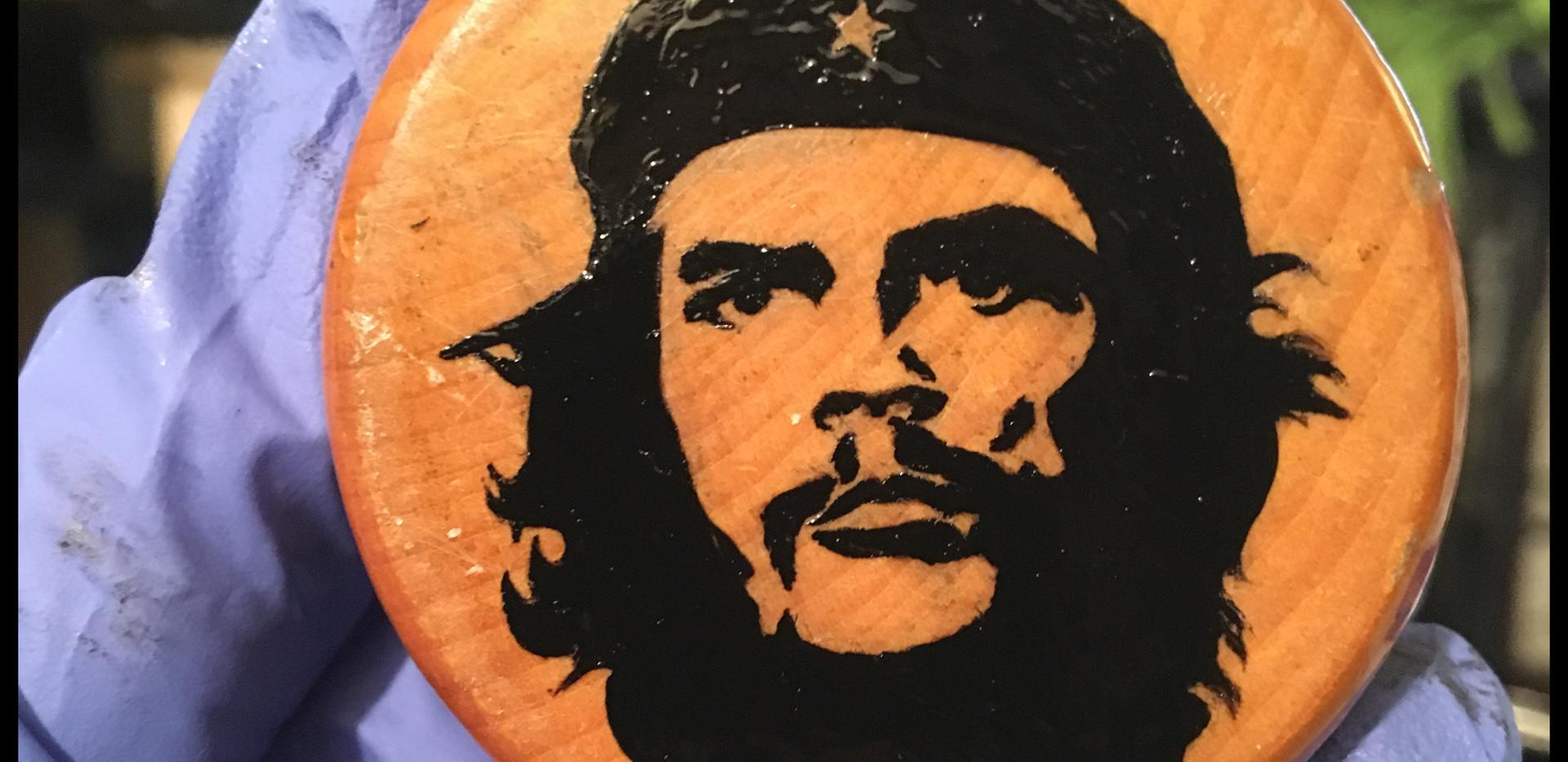 grinder-che-portrait-oil-paint-silhouett