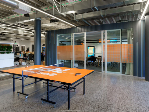 INDUSTRIAL - OFFICE - PING PONG