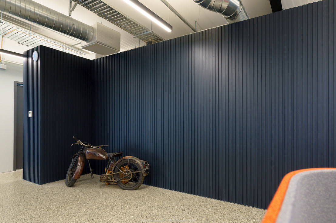 MOTORBIKE - WALL - ORANGE