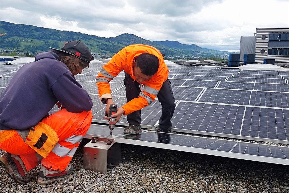 Innovation Hub Refugees go Solar