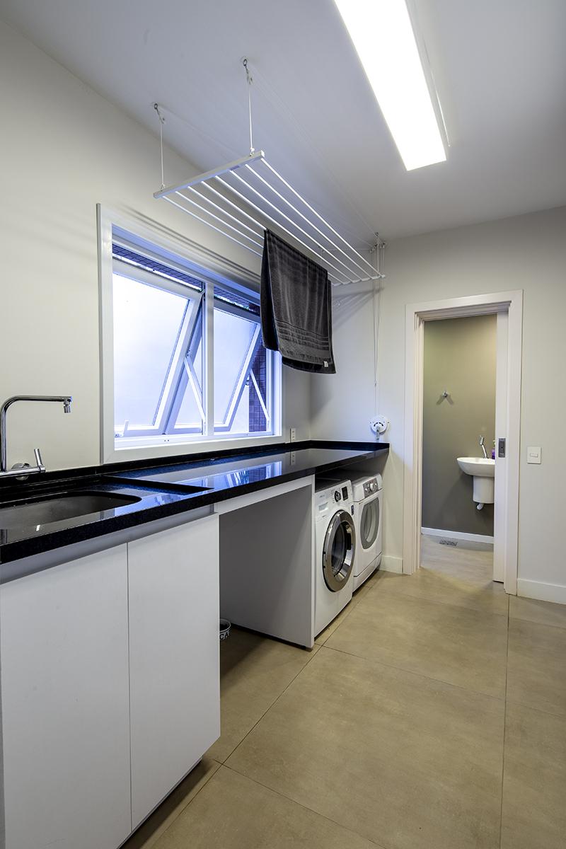 Lavanderia/ Banheiro serviço