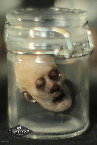 TINY PETER MINIATURE HEAD IN JAR SERIES 4
