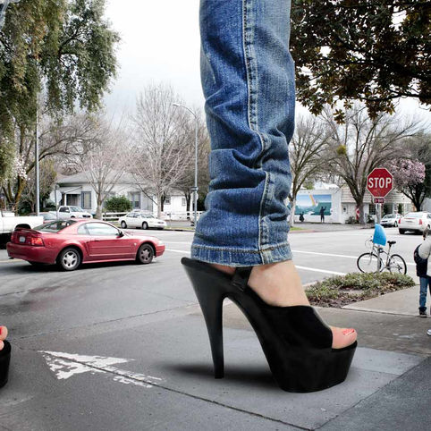 heels-in-street-WEB.jpg