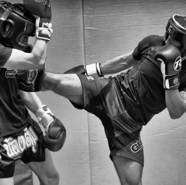 kickboxing-spar-864x631.jpg