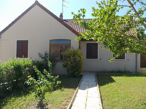 9833 Maison Moulins