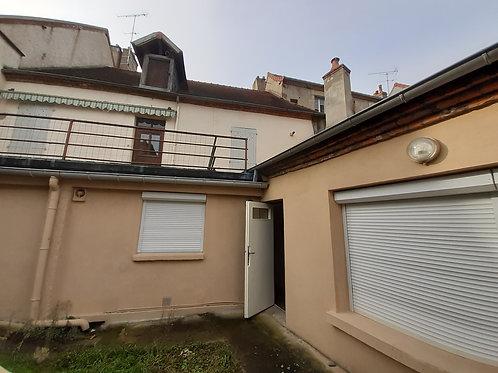 9872 Ensemble immobilier Moulins