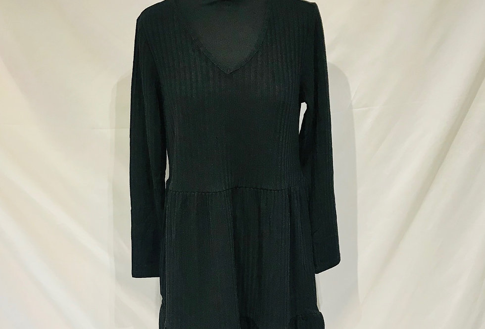Long Sleeve Tiered Knitted Black Dress