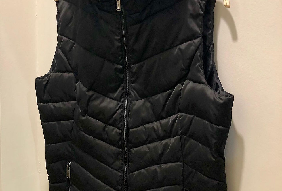 Black Oyster Gillet with Fur Collar
