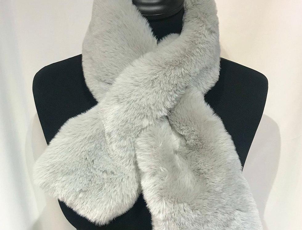 Silver Grey Fur Cross Tipet