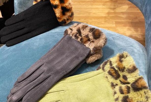 Grey Leopard Glove