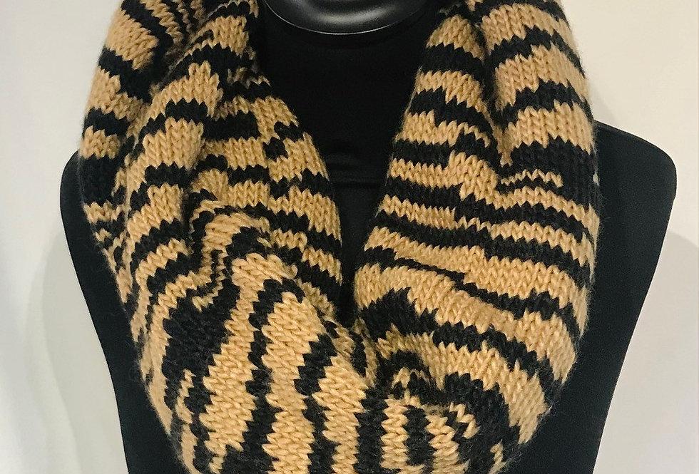 Black/Tan Knit Snood