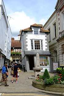 Windsor Crooked House