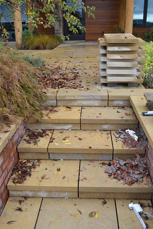 beige limestone, dromedary limestone, yellow limestone, limestone paving, limestone stairs, landscape stone,