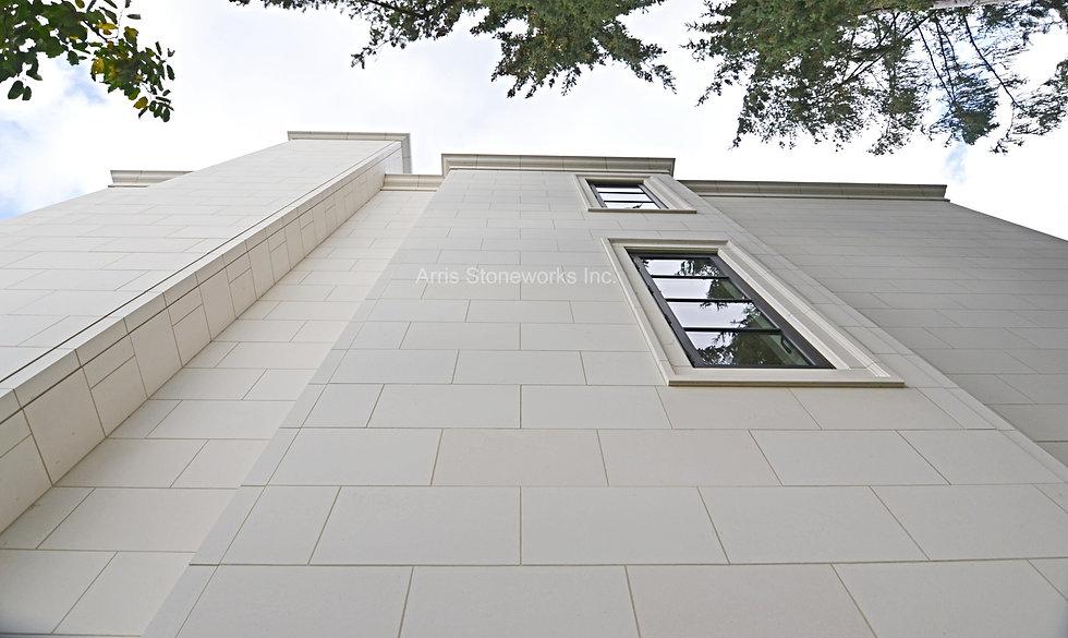 eggshell Limestone, architectural stone, stone house, beige limestone, stone wall venner, carved stone, stone column, stone window sill, stone door surrounding, stone ballustrade,