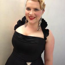 Anna-Louise in Operette by Linda Britten
