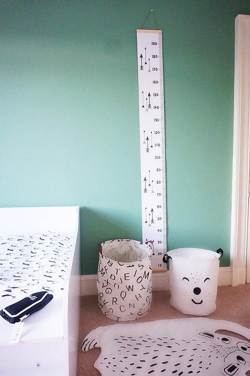 Arrow Print Hanging Height Chart