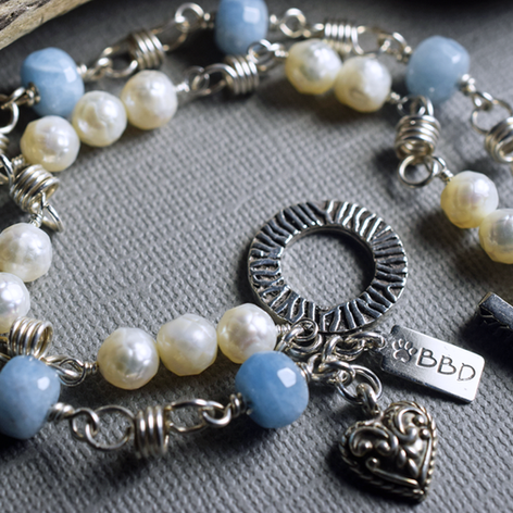 1Aquamarine and pearl bracelet-open-900.