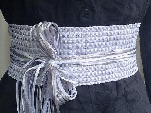 Cinto de fitas tecido em tear manual_branco e prata