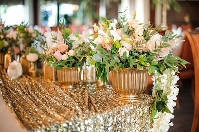tablecloth_gold_sequin_rental_winsted_cr