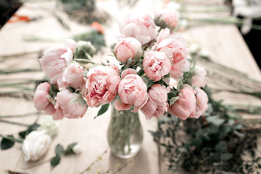 light_pink_peonies_flowers_florist_local