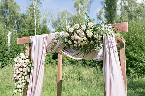 white_roses_arch_wedding_winsted_Crazi.j