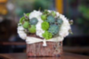 white_green_flowers_florist_local_winste