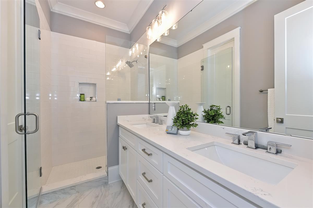 30-Master_Bathroom