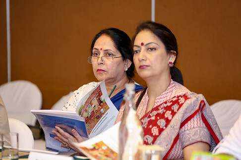 (L - R) Ms. Neeta Dua with Dr. Amita Saxena