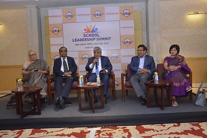 (L to R) Mrs. Vinita Kher, Mr. G. Balasubramanian, Dr. Atul Nischal, Dr. Rajesh Hassija, Ms. Sangeeta D. Krishan