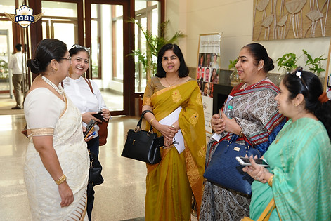 (L-R) Ms. Poonam Kumar Mendiratta, Principal, The Manthan School, Noida, Ms. Abha Sadana, Principal, The Modern School, Sonepat, Ms. Meeta Bhandula, Ms. Priya Dhall, Principal, Dehradun Public School, Ghaziabad, Ms. Jaspreet Kaur, Vice Principal, Bal Bhawan Int. School, New Delhi