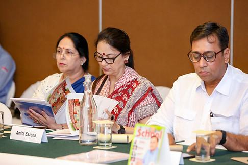 (L - R) Ms. Neeta Dua, Dr. Amita Saxena & Mr. Vivek Garge