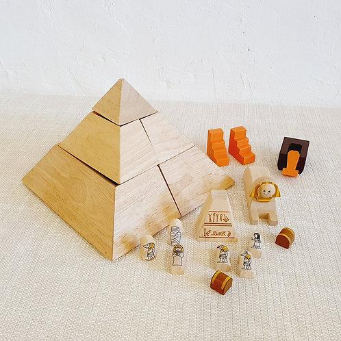 Pyramid Set