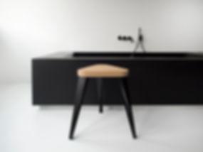 Kontour design - BE side table black