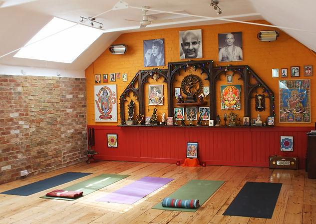 yoga studio ely altar 2.jpg