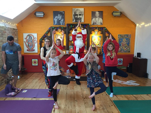 PAST EVENT - CHRISTMAS KIDS / FAMILY YOGA CLASS