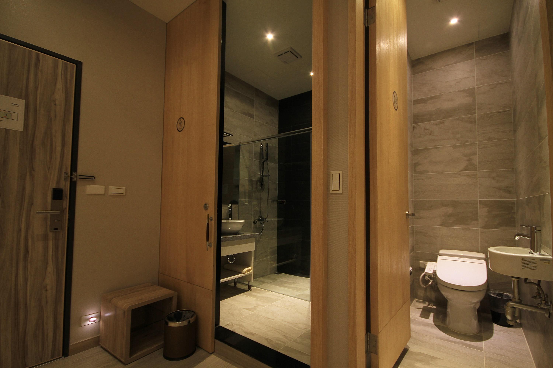 背包客旅艙浴廁