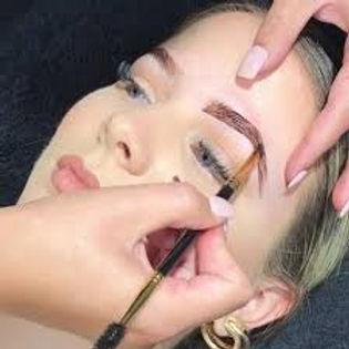 brow henna.jpg
