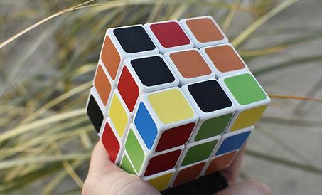rubik-cube-3732412_1920.jpg